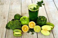Dlaczego warto pić naturalne soki? 5 głównych korzyści