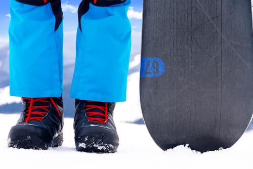 Co wybrać: narty czy snowboard?